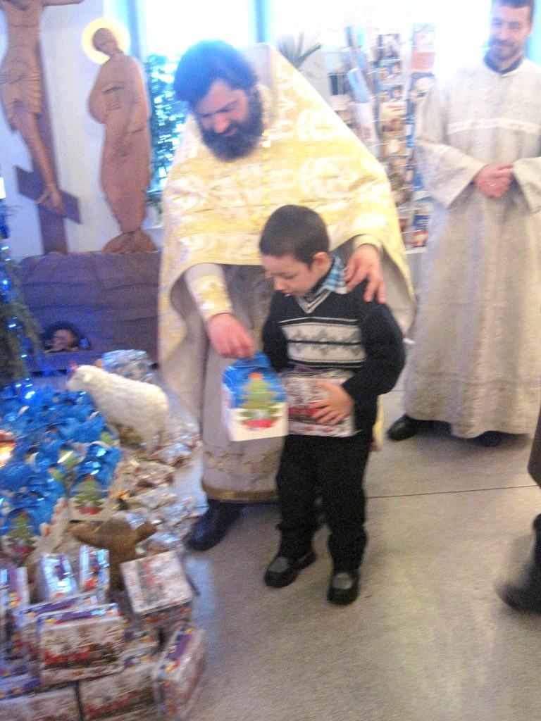 Рождественский детский праздник в Казанском храме деревни Грайвороны