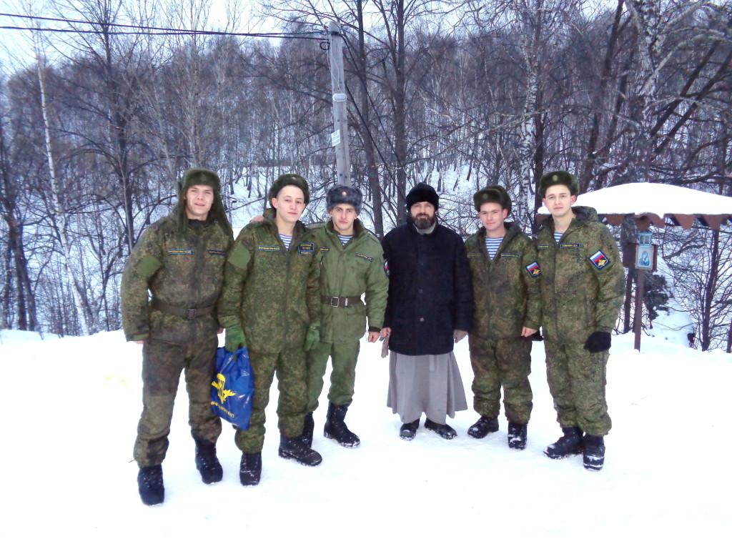 Посещение военнослужащими войсковой части № 40917 прихода Казанского храма деревни Грайвороны