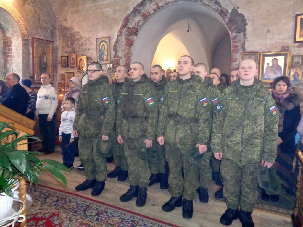 Причастие военнослужащих войсковой части № 17204 - Казанский храм д. Грайвороны